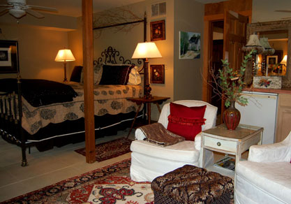 blue ridge cabin rentals - Master-Suite at Hemlock Hill